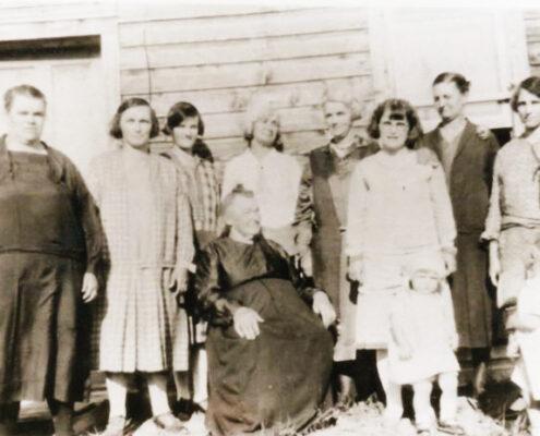 Pioneer women of Zenon Park