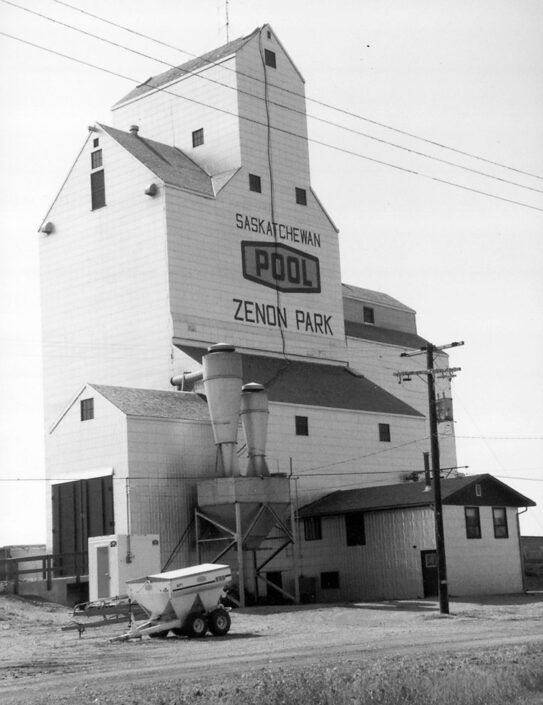 Saskatchewan Wheat Pool grain elevator in Zenon Park